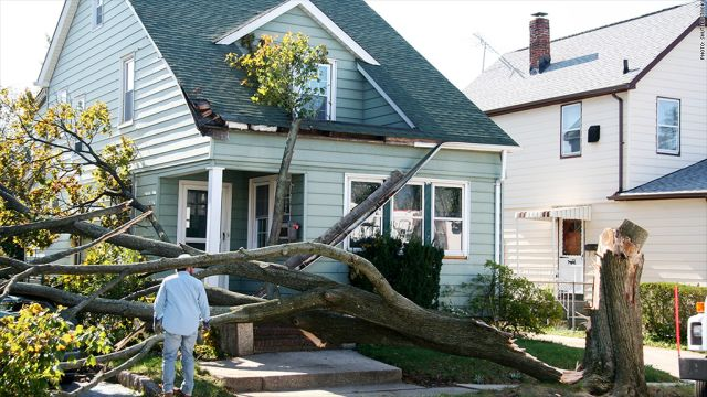 Does Homeowner Insurance Cover Roof Damage And Leaks